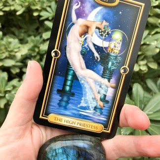tarot crystal reading