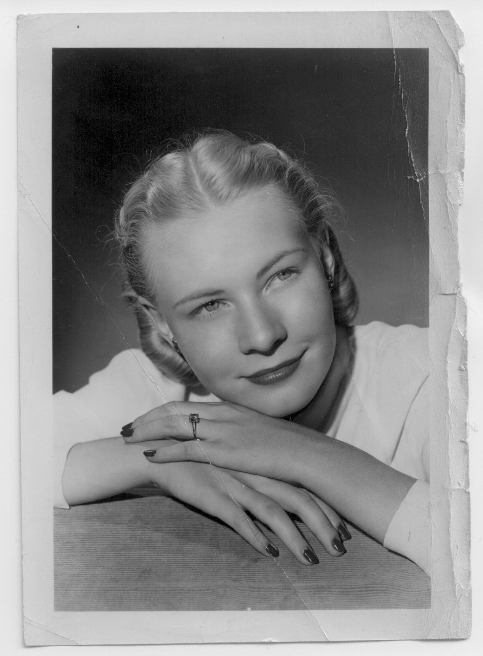 Rosaline Dolak De Dan, Age 18