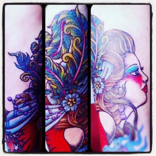 Showgirl, Feather, Profile, woman, lady, 女の人の横顔, 羽根飾り, tattoo,