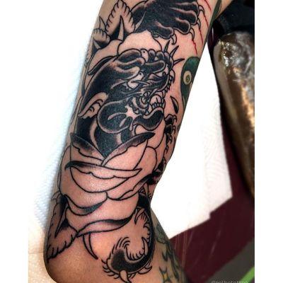 #黒豹 #バラ #タトゥー #blackpanther #rose #tattoo  #reikotattoo #studiokeen #japan #hocuspocustattoo  #nagoyatattoo #tokyotattoo #名古屋 #大須 #矢場町 #静岡 #東京
