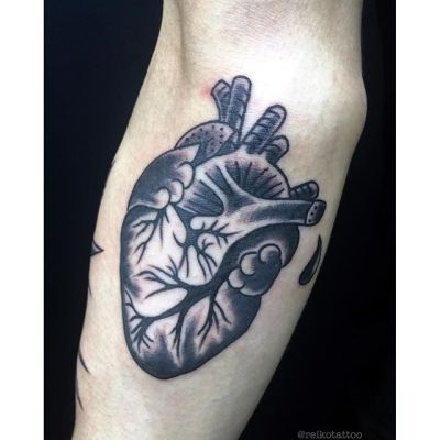 #心臓 #ハート #タトゥー #ブラックタトゥー #heart  #tattoo #reikotattoo #studiokeen #japan #nagoyatattoo #tokyotattoo #名古屋 #大須 #矢場町 #東京 #静岡