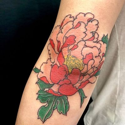 #ひじ #牡丹 #peony #elbow ...#tattoo #reikotattoo #studiokeen #japan #nagoyatattoo #tokyotattoo #irezumi #タトゥー #刺青 #名古屋 #大須 #矢場町 #東京