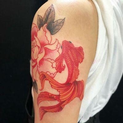 #peony #goldfish #牡丹 #金魚 ...#tattoo #reikotattoo #studiokeen #japan #nagoyatattoo #tokyotattoo #irezumi #タトゥー #刺青 #名古屋 #大須 #矢場町 #東京