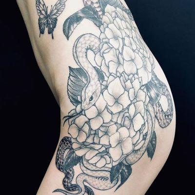 #紫陽花 #蛇 #蝶々 #hydrangea #snake #butterfly...#tattoo #reikotattoo #studiokeen #japan #nagoyatattoo #tokyotattoo #irezumi #タトゥー #刺青 #名古屋 #大須 #矢場町 #東京