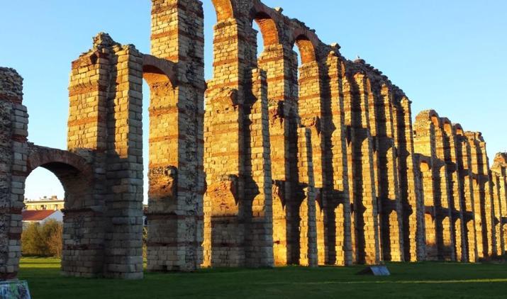 Acueducto de los Milagros, de la ciudad de Mérida capital de Extremadura