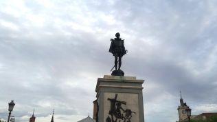 Estatua Plaza Cervantes