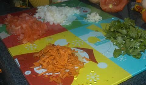 Hamburguer de soja, brócolis com limão e penne