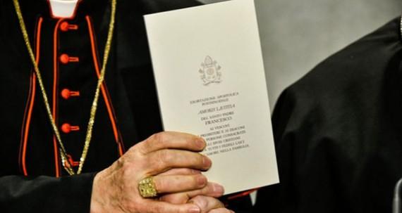 Pape François Censure Amoris Laetitia 45 théologiens