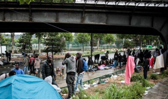 Macron Face Migrants Idéologie Hidalgo Réalité Calais