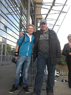 """September 2012: Unser Hörer """"Das Siegergen"""" (links) traf beim Spiel HSV gegen Hannover 96 unseren Fussballexperten Broxi (rechts)! Was besprochen wurde, dass erzählt Broxi in der reingemacht-Folge 092."""