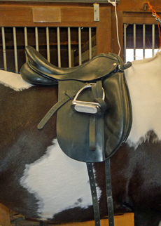 a bridging dressage saddle