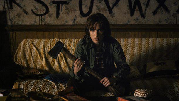 Winona, con el machete por un papel