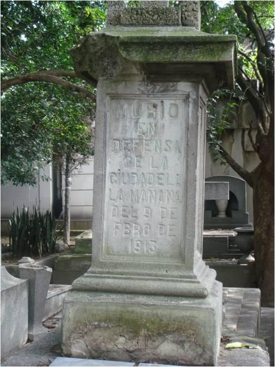 Huellas del día de muertos 2: las tumbas vacías del Panteón Francés de la Piedad (5/5)
