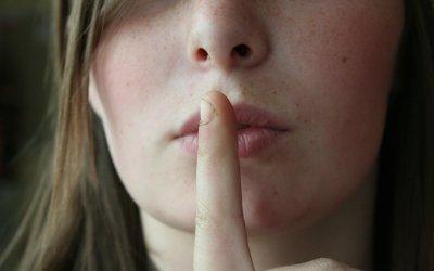 Hablemos libremente.  Quitémosle la fuerza al secreto!