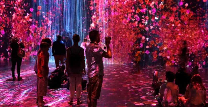 "Spelling the Art of the Future with ""Art""ificial Intelligence – teamLab and Atelier des Lumières"