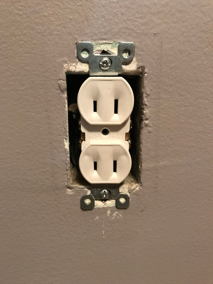 Ungrounded Outlet