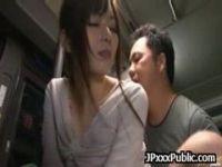 帰宅中のバスの中で痴漢集団に襲われる激カワOLの無理矢理犯している動画
