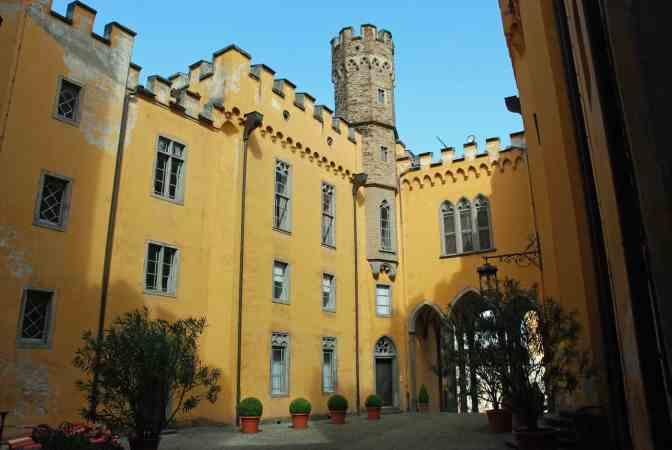 Schloss Stolzenfels Koblenz binnenplaats