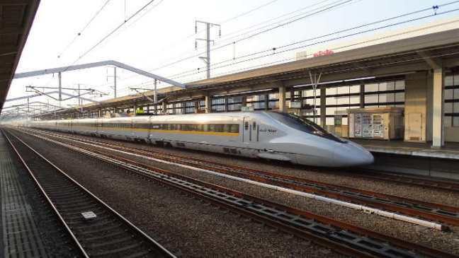 Japan 2015: bullet train / shinkansen / high-speed train