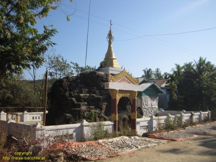 Maung Shwe Lay Village