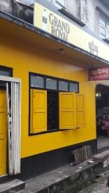 gelb wie unser Haus :-)Kawthaung
