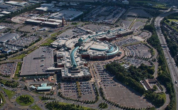 The Trafford Centre er gigantisk, og man bør vurdere flere dager her. Foto: Charles Bowring / CC / Wikipedia