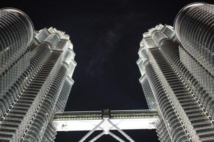 Petronas Towers bei Nacht