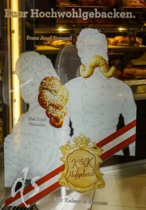 Diese Bäckerei verkauft Sissi-Zöpfe und Franz Joseph-Schnurrbärte in Teigform