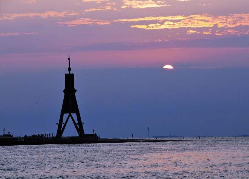 Die Kugelbake in Cuxhaven bei Sonnenuntergang