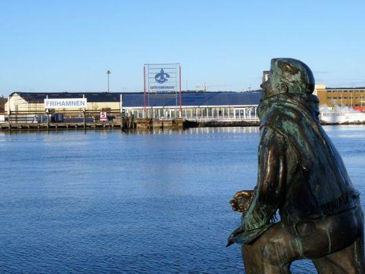 Blick auf den Freihafen am Fluss Göta Älv
