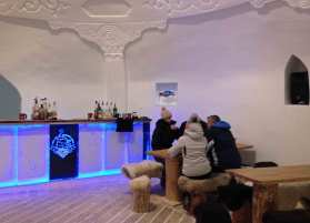 Die Bar des Iglus