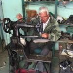 Ecuador: Ein Schuster und seine 70 Jahre alte Singer