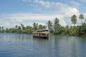 Ausflug von Aleppi aus in die Backwaters, einem weit verzweigten Wassernetz in Kerala