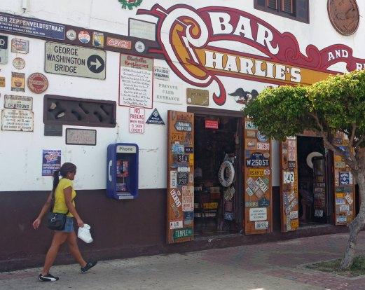 Aruba-ABC-Inseln-ABC-A-06-charliesBarAussen_1k4