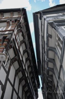 Küssende Dachrinnen in der Münzstraße