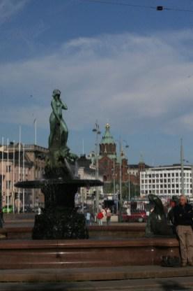 Berühmter Brunnen an der Hafen-Esplanade