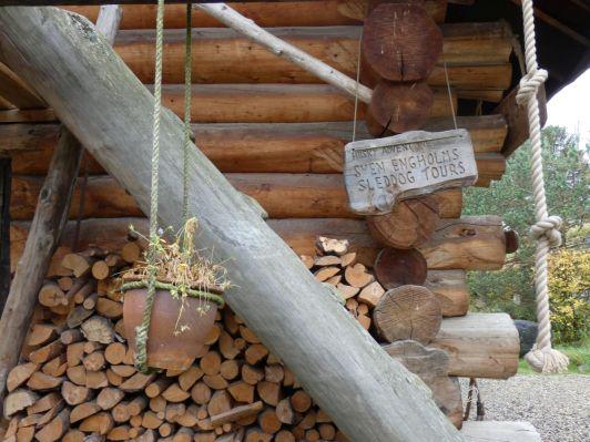 16 Engholm Husky-Lodge Norwegen Finnmark Benstem Reisefeder