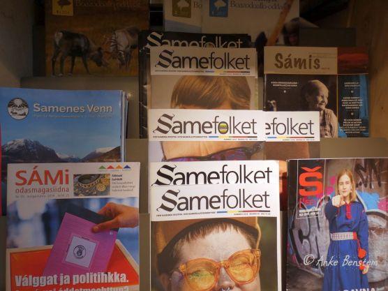 Magazine in der Bibliothek