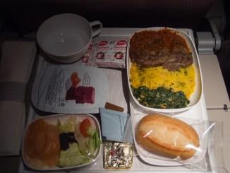 Lamm mit Couscous und Spinat