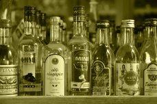 Spirituosen-Auswahl, Lesbos