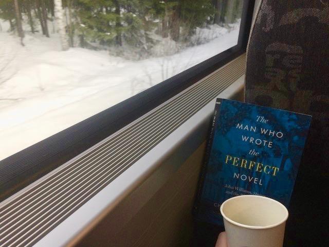 Bok på toget