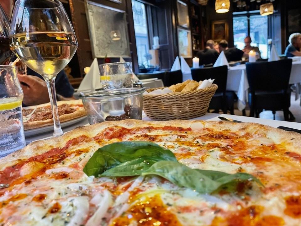 Pizza og vin