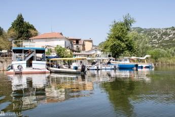 Båter ved Virpazar i Montenegro