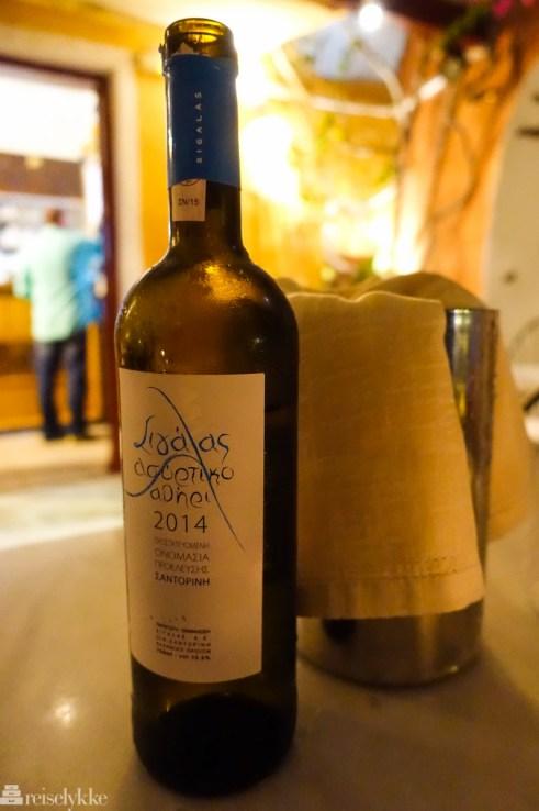 Lokal gresk vin, Santorini