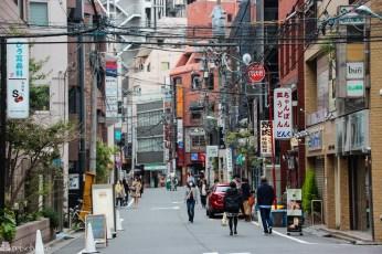 gatebilde-i-utkanten-av-daikanyamatsu-tokyo