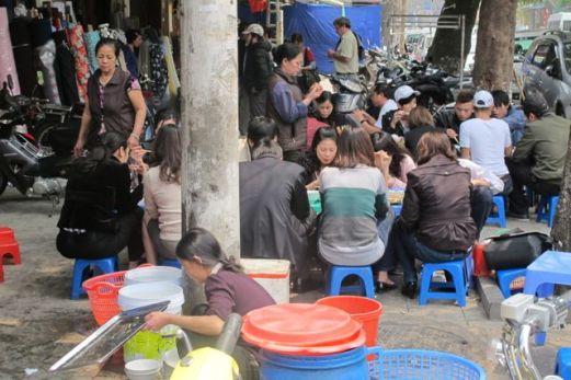 Fortausrestaurant i Ha Noi Foto: Reiselykke