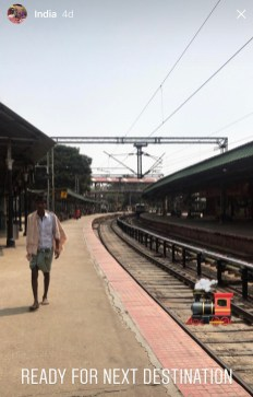 På togstasjonen i Bangalore