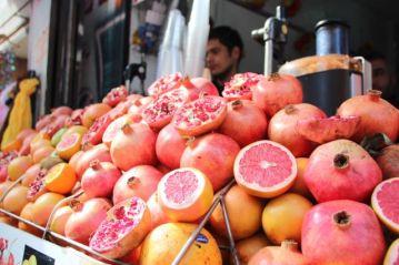 Juice selger i et smau i Istanbul Foto: Mette S. Fjeldheim