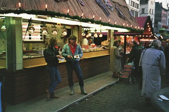 Die schönsten Weihnachtsmärkte in Deutschland Weihnachtsmarkt Bad Wimpfen Esslingen Köln Goslar Dortmund Nürnberg Ludwigsburg München Zwickau Dresdner Striezelmarkt Christkindlmarkt Fraueninsel im Chiemsee Adventszeit Reise Reisen