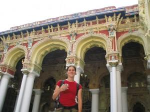 Ela und die Kleinen im Nayak-Palast